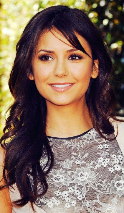 Nina Dobrev - love her makeup