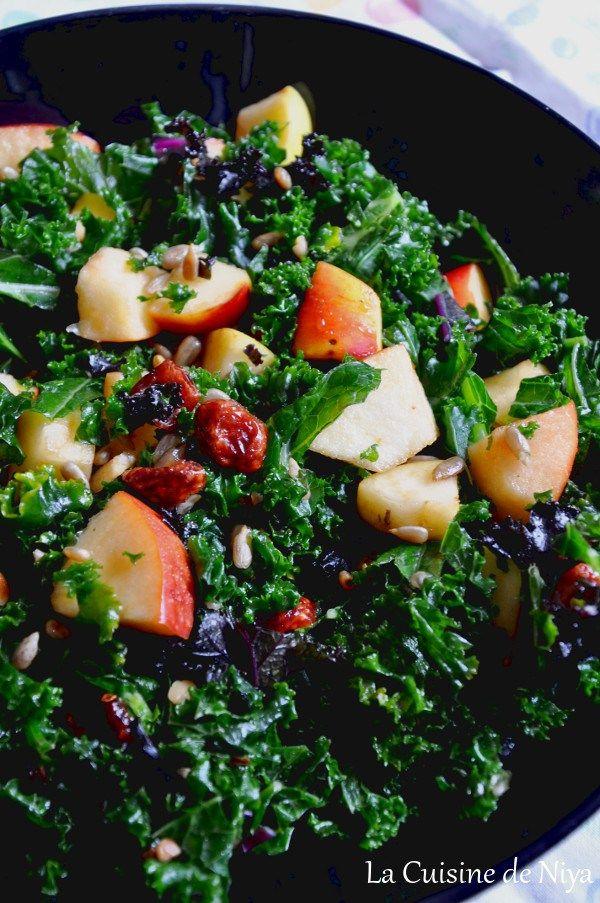 La Cuisine de Niya - salade de chou kale pommes cranberries graines de tournesol vegan