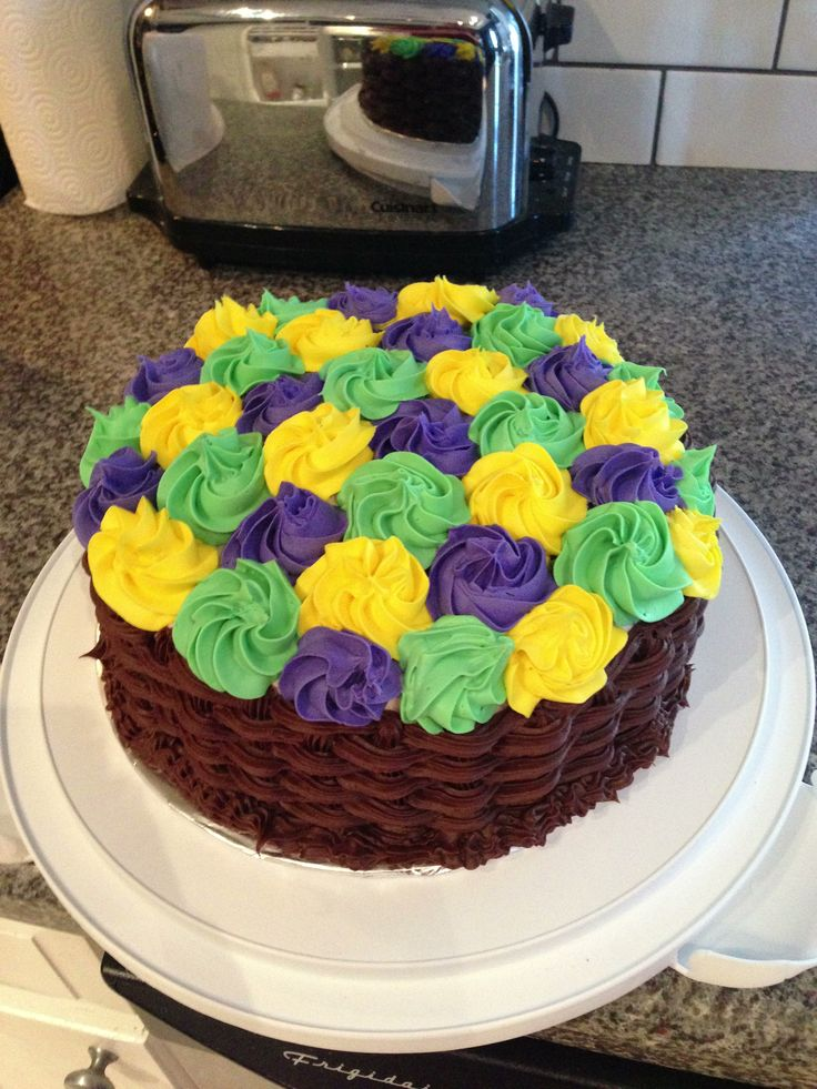 How To Basket Weave Buttercream : Images about basket weave cakes on