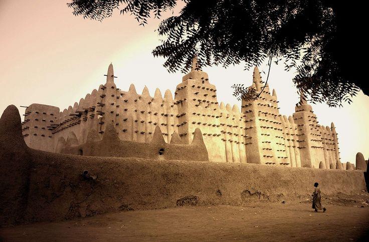 8./ Timboektoe Mali / grote moskee van het land.