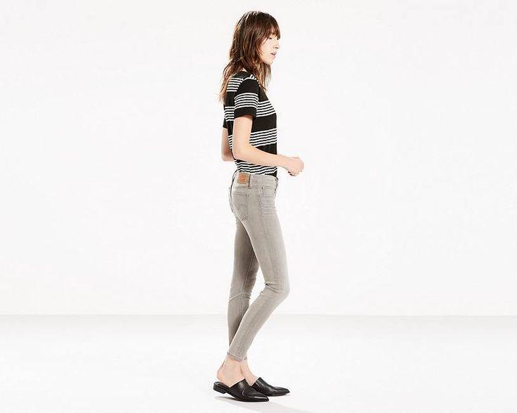 Frauen weltweit lieben diese Jeans. Jetzt bist Du dran. Mit einem innovativen Look, der schmeichelt, formt und sich wunderbar anfühlt. Unsere 711™ Skinny sitzt knapp unter der Taille für eine rundum bequeme Passform. Das enge Bein ist supervielseitig und passt gut zu den verschiedensten Styles.