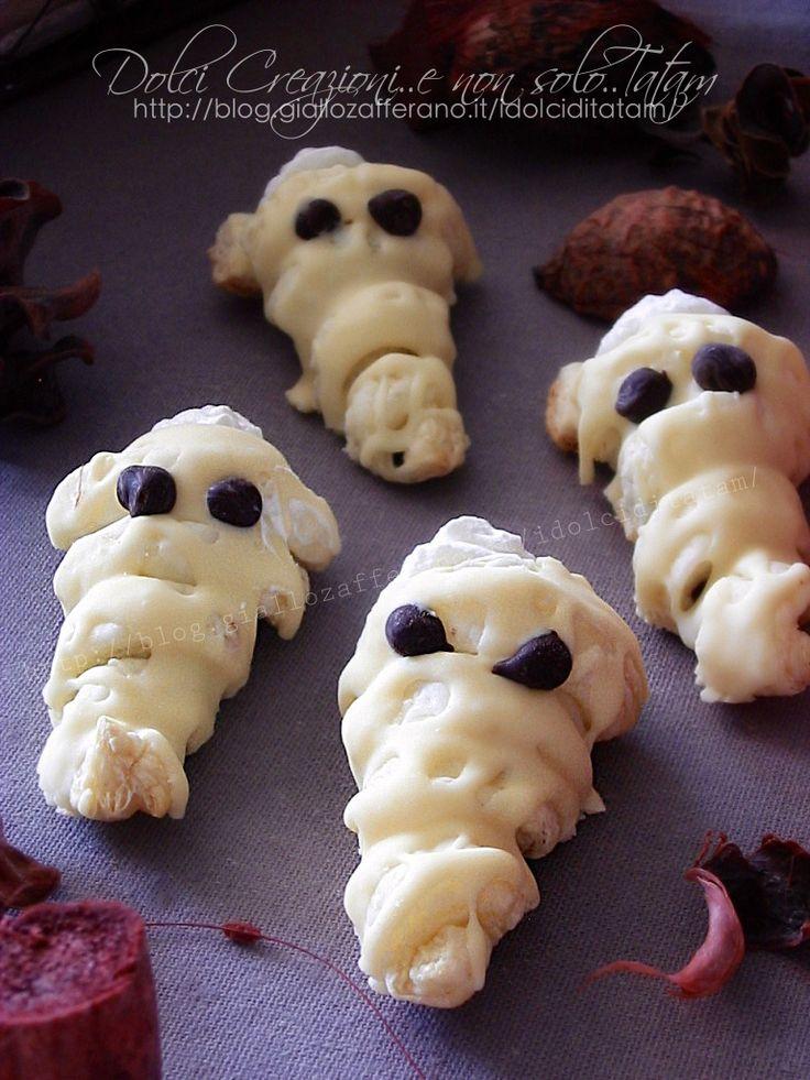 Fantasmini di Halloween di pasta sfoglia farcita