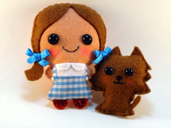 Wizard of Oz Dorothy and Toto  felt plush dolls in by ChikuChikus
