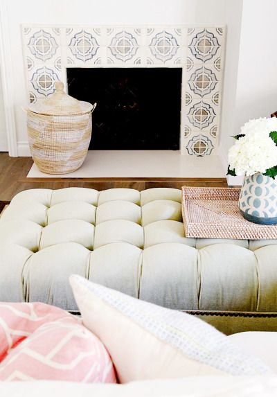 Cozy living room: http://www.stylemepretty.com/living/2016/10/18/20-ways-to-decorate-with-texture-for-the-coziest-of-homes/ Photography: Sabra Lattos - http://sabralattos.com/