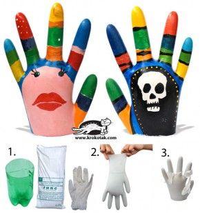 Plaasterhandjes. Eenvoudig om te maken. Neem een plastic handschoen. Vul deze met gips. Laat even drogen. Verwijder de handschoen en verven maar!