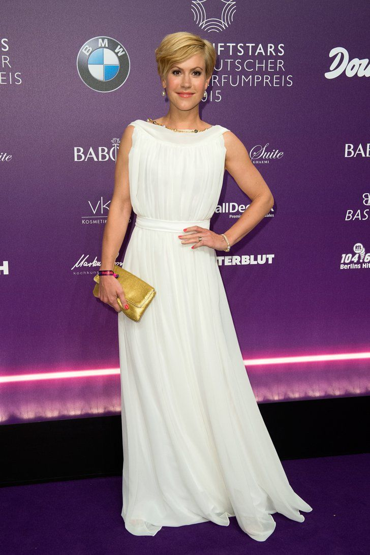 Pin for Later: Best Dressed: Die schönsten Looks der ganzen Woche Wolke Hegenbarth Wolke Hegenbarth hatte schon fast die Anmutung einer griechischen Göttin in diesem langen, weißen Kleid bei den Duftstars Awards in Berlin.