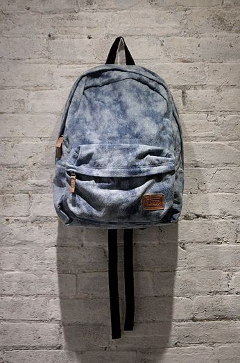 Vans Girls Deserted Snake Tie Dye Denim Backpack.. Looks much better here than in the online store. Hrm.