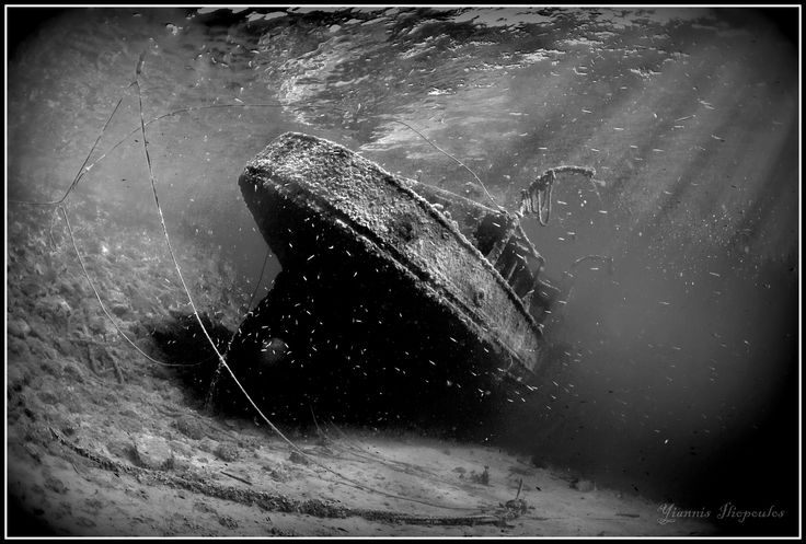 Underwater Ship Wreck diving  | Kali Tihi shipwreck | Underwater Photography by Yiannis Iliopoulos
