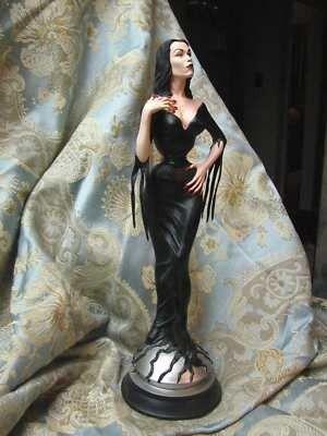 Vampira Randy Bowen statue 613 of 1000 with box (03/19/2011)