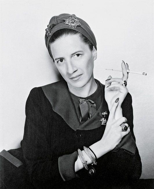 diana vreeland | Una joven Diana Vreeland en un retrato de George Hoyningen-Huene © RJ ...