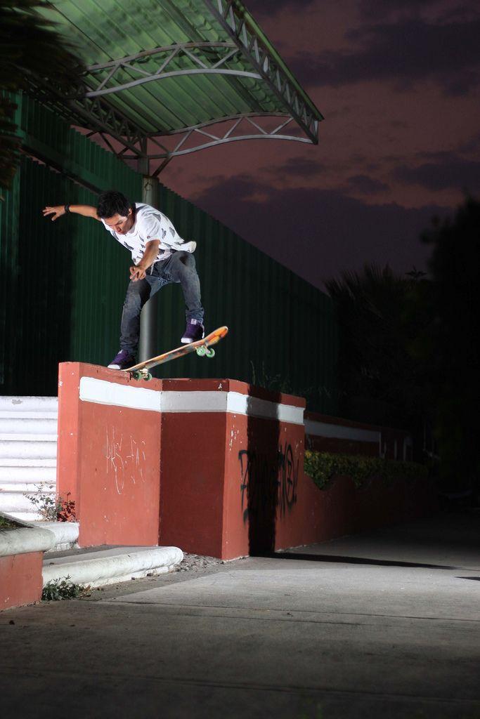 50 High Quality Skateboarding Photos