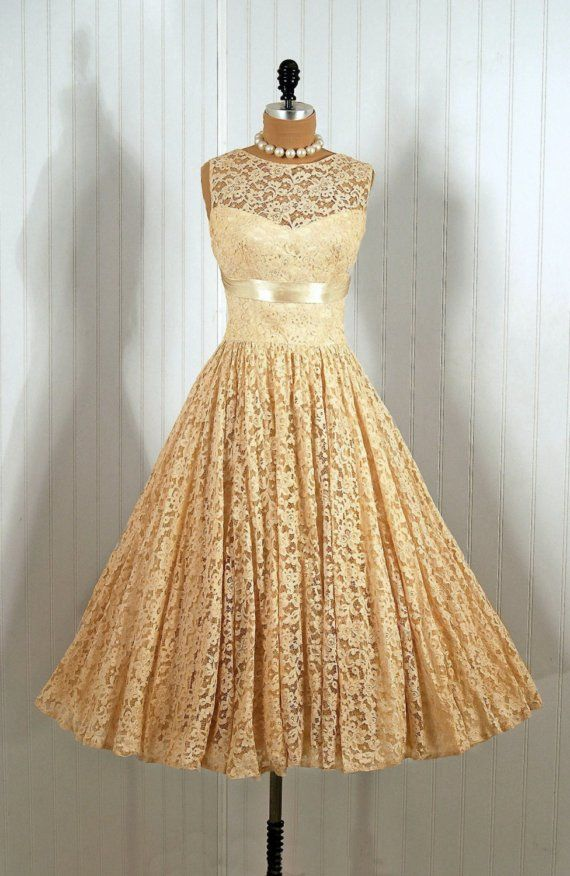 208 best images about Vintage Clothing & Accessories on Pinterest ...
