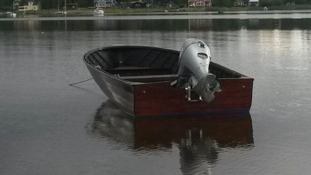 My own 16' mahoganyboat