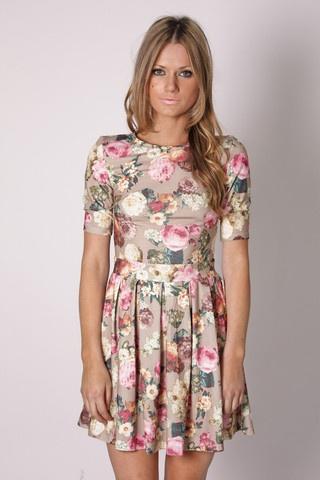 CUTEEEEEE.: Tunic Dresses, Floral Tunics, Presenc Floral, Flower Prints, Vintage Floral, Pink Floral, The Dresses, Floral Dresses, Tunics Dresses