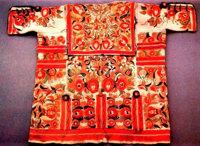 Magyar hímzés: Folk Cifraszűr, Hungarian Stuff, Folk Art, Folk Culture, Hungarian Folk, Hungarian Embroidery, Amazing Hungarian, Folk Embroidery, Hungarian Art