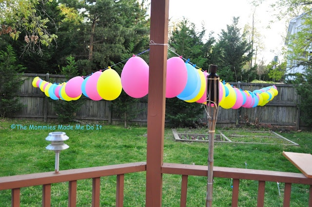 Slip string balloon garland.