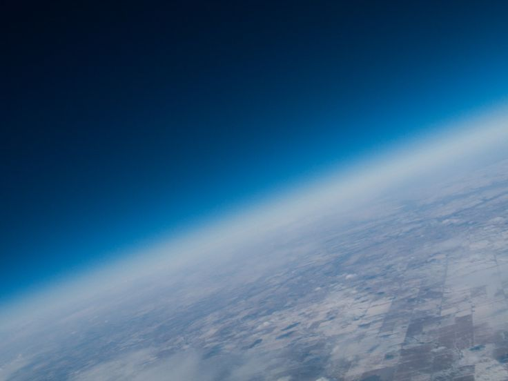 The cold vast Alberta prairies above Vulcan AB via a weather balloon [OC] [3072x2304] http://ift.tt/2yYV5Ff