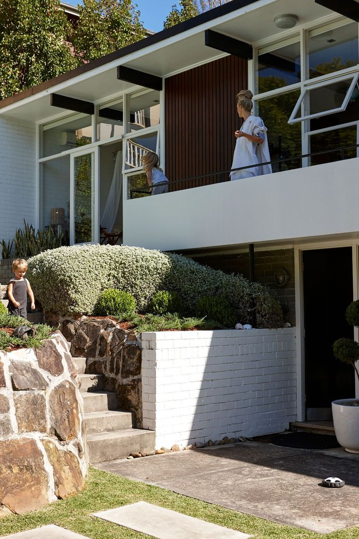 Mid-century style: Let's find out all about the mid-century modern lifestyle!
