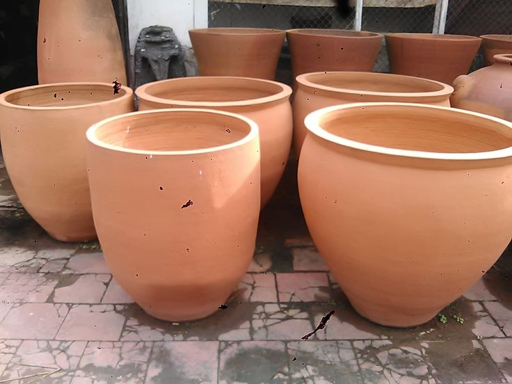 Wadah pot dari tanah liat