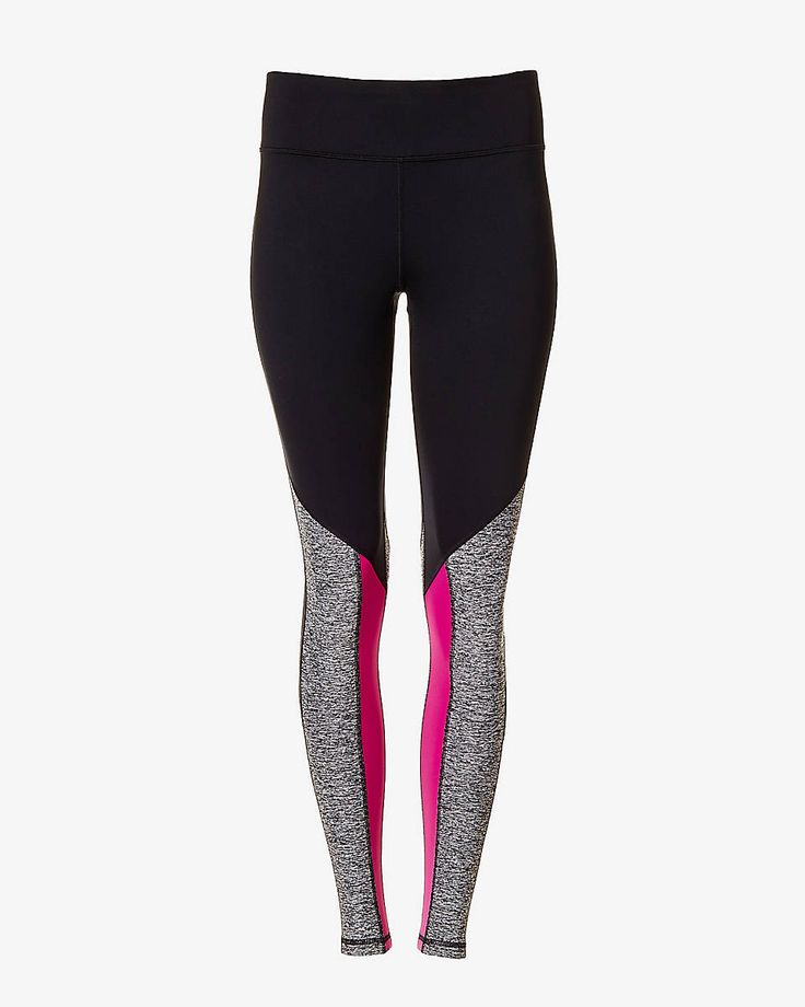 Work out smart with this EXP Core legging. It's made of body hugging compression fabric that's as tough and as flexible as you're working to be! Flat seams ensure a wide range of motion, as stylish marled and berry accents take this look to the top.
