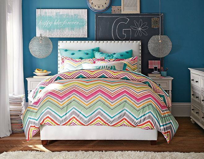I love the pbteen raleigh zig zag bedding for hannah 39 s for Zig zag bedroom ideas