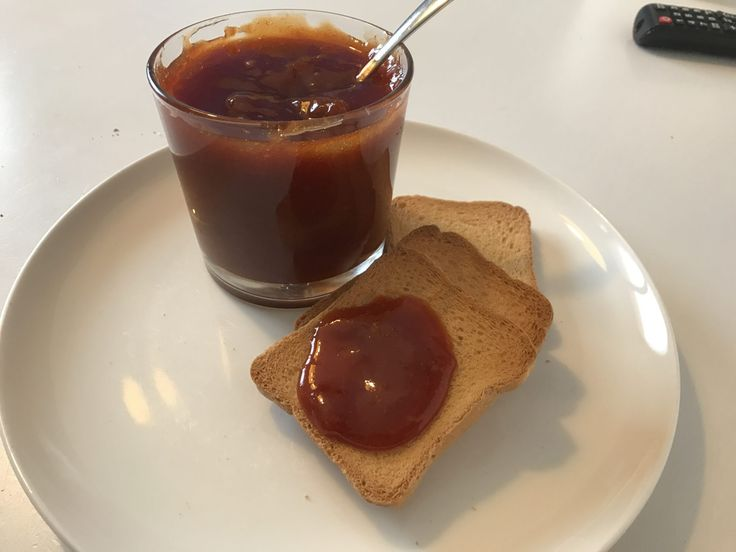 Marmellata di albicocche con zucchero di canna  http://www.cucinaconbenedetta.com/?p=6614  La marmellata di albicocche è una marmellata che preparo quasi ogni estate, perché diciamocelo, è una delle marmellate più buone e versatili che ci siano. Tra l'altro la sua preparazione è davvero semplicissima e richiede poco tempo, il risultato è sempre eccellente. Oggi vi propongo la mia...  #Ricette, #Salsesughieconserve #Benedetta #Cucina