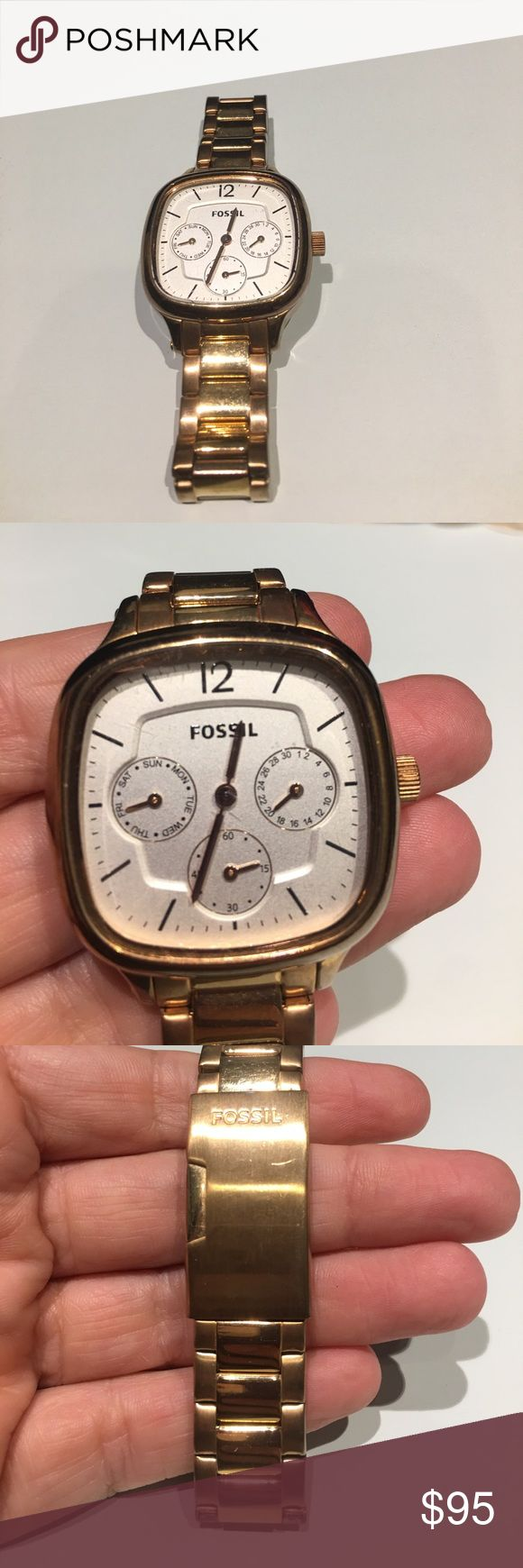 Fossil gold watch Gorgeous antique face and worn twice. Will fit a moderately large wrist and links can be removed to make smaller. Fossil Accessories Watches