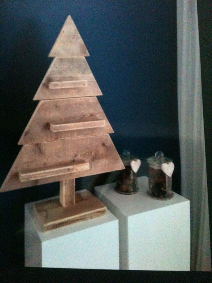 Steigerhouten kerstboompjes in alle maten.