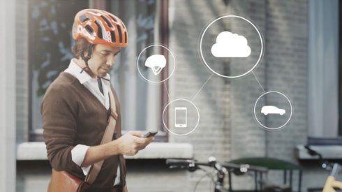 Volvo разработала велосипедный шлем, который поможет избежать столкновения с авто - http://supreme2.ru/6656-volvo-shlem/