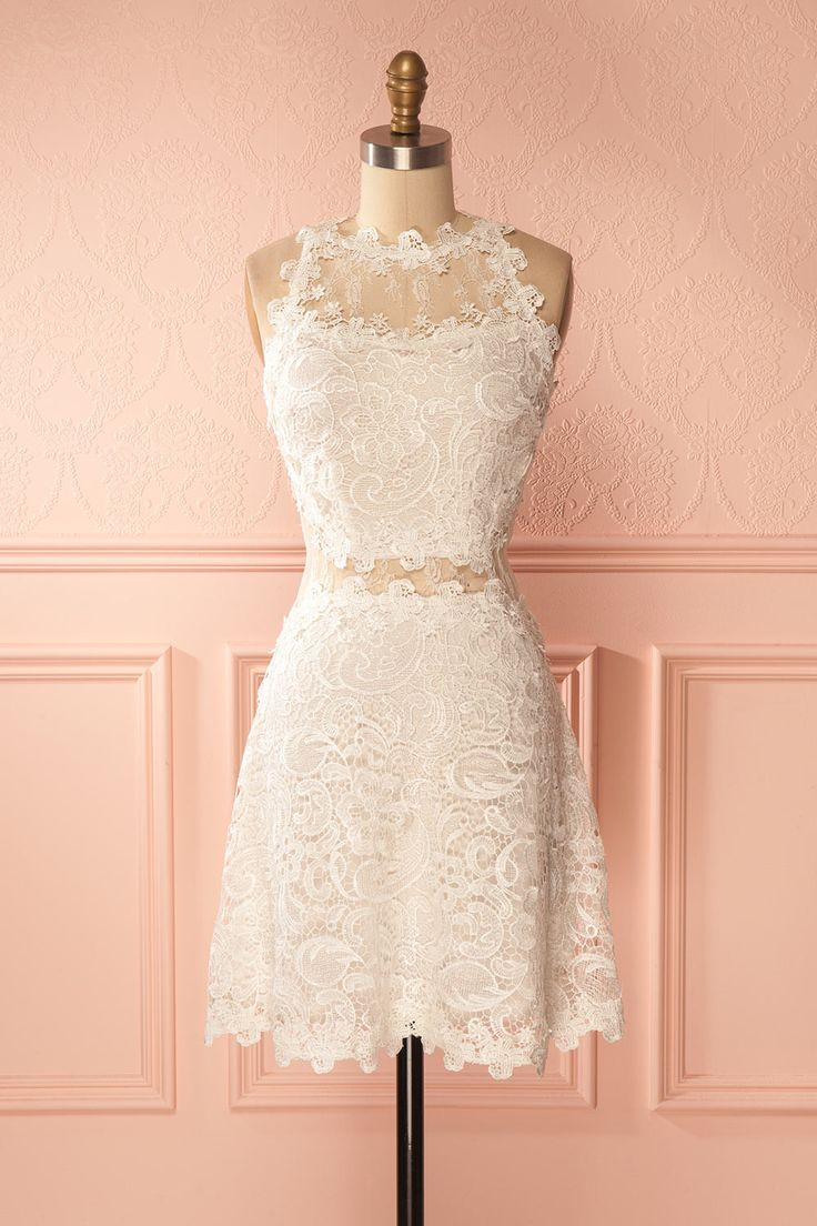 Alodie Ivoire #boutique1861 / This magnificent lace dress accentuated of delicate mesh cut-outs will surely make you feel stunning. Whether you are a guest at a summer wedding or you have a romantic rendez-vous, this dress will never cease to impress!
