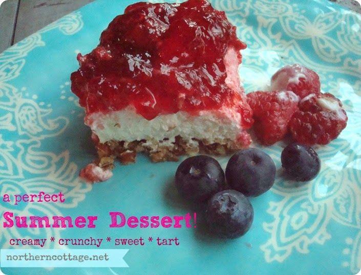 {Creamy Layered Raspberry Pretzel Dessert} a perfect summer treat!! mmm!!  ♥