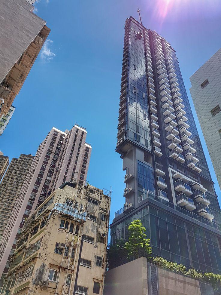 Hong Kong - eine Stadt der Gegensätze! Wo Aktienkurse und Dim Sums an der Tagesordnung stehen! Auf meinem Blog findest du die MUST SEE Orte und praktische Reisetipps für deinen nächsten Urlaub in Hong Kong!