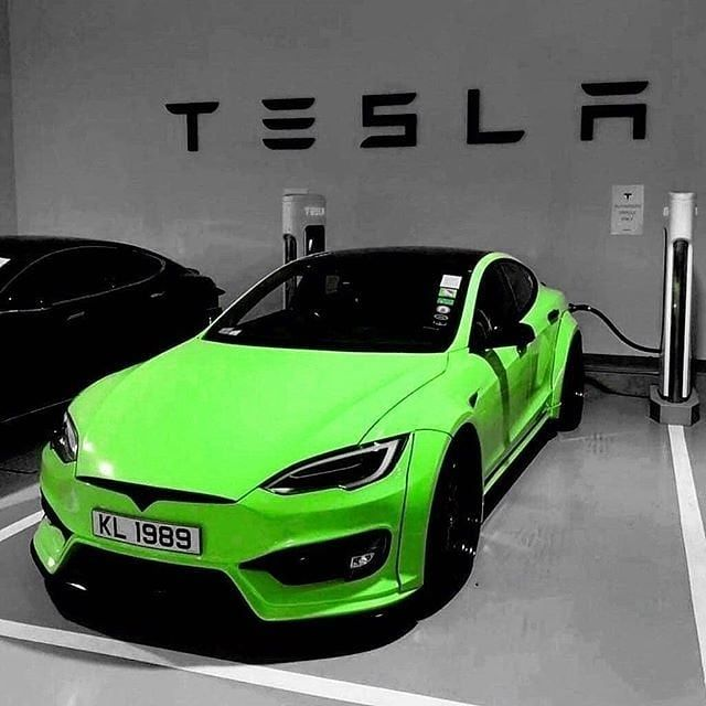 Green Tesla Why Not Tesla Supercar Eco Electric New Fame Green Prestige Luxury Green Tesla Why Not Tesla Supe Tesla Supercar Super Cars Tesla