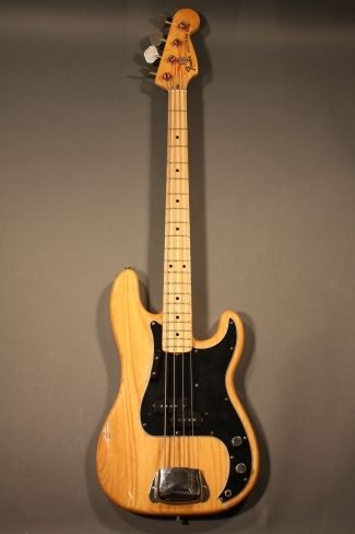1976 Fender® Precision Very Good, Hard, $1,800.00 (via Gbase.com)