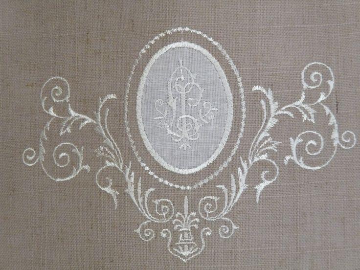 1000 id es sur le th me nappe en lin sur pinterest linge for Chemin de table eurodif