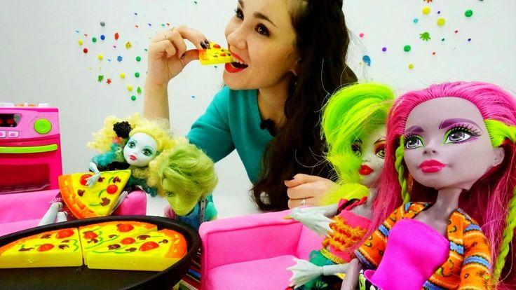 Детское видео: история игрушек кукол Монстер Хай ( школа монстров). Игру...