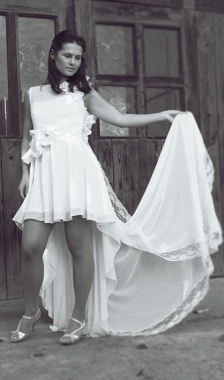 White dresses from atelier La fée