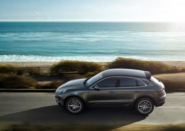 2015 Porsche Macan Black Colors 600x425 2015 Porsche Macan Full Reviews with Images