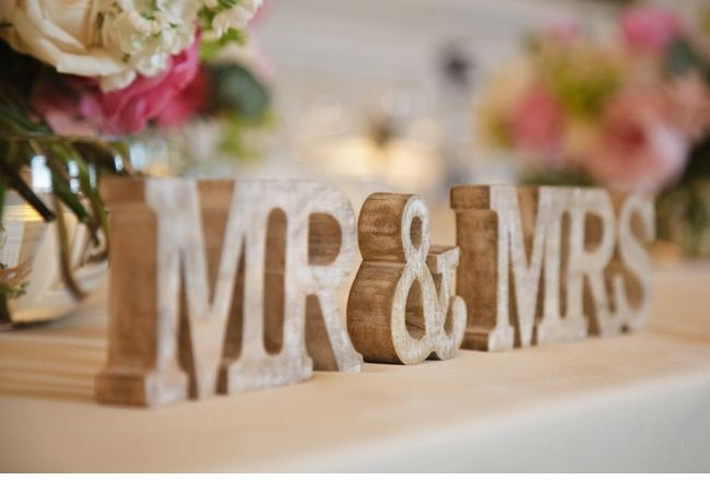 Mr and Mrs Sign for table and at the wedding play a game of all star mr and mrs