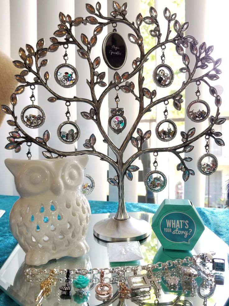 What a great way to display your Origami Owl locket collection... <3 California Designer Spreads Hope and Sparkles - #LiveSparkly