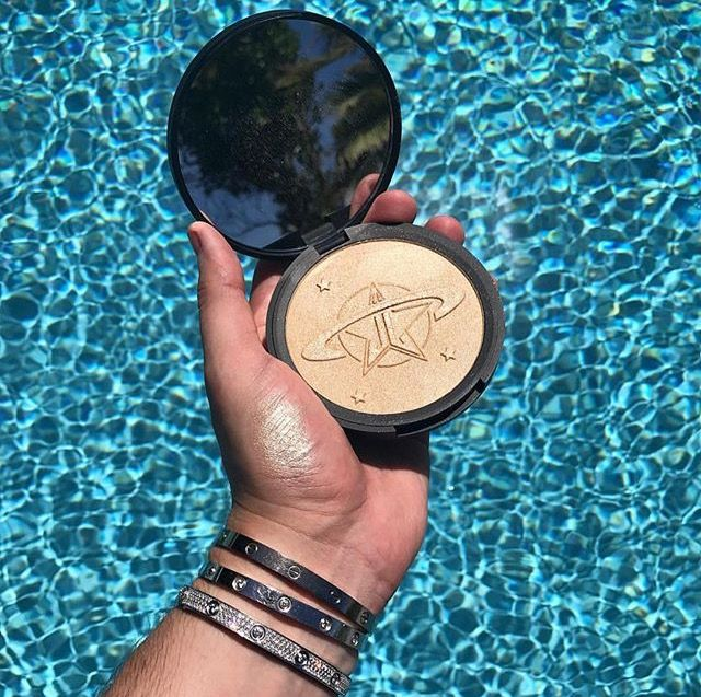 URANUS from the Manny Mua X Jeffree Star collab by Jeffree Star Cosmetics • Pinterest @rinnimarie •