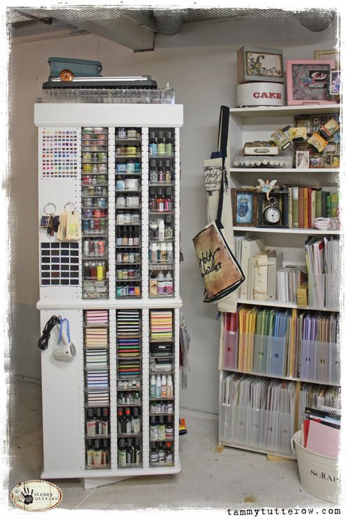 Spinning craft room storage. I want!! Would love to figure out how to build one.