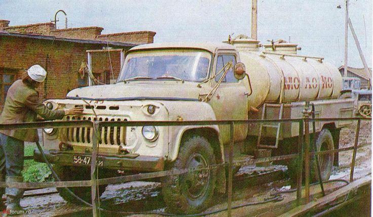 Автомобиль-цистерна АЦПТ-3,3 для перевозки молока