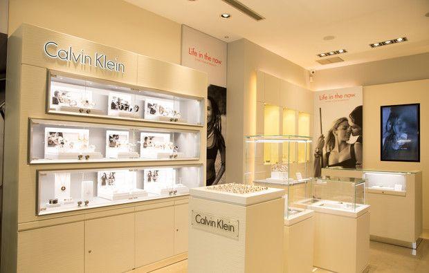 Relógios e joias, na nova loja Calvin Klein do Porto