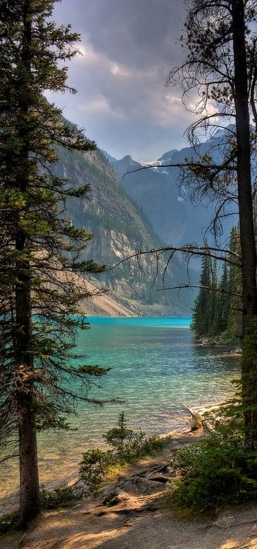 Moraine Lake in Banff National Park  Alberta, Canada