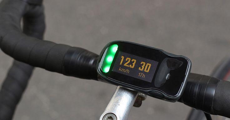 Haiku est un accessoire de vélo connecté au smartphone. Il permet entre autre d'accéder à la navigation sans sortir son téléphone.