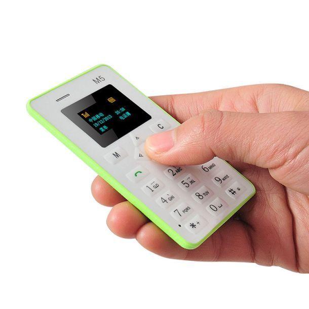 Прелесть какая телефон размером с кредитную карту! http://olhanninen.livejournal.com/611078.html тут рассказываю.