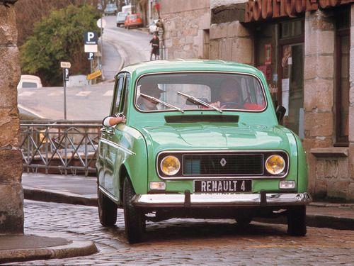 Le précurseur de nos monospaces... / La Renault 4L.