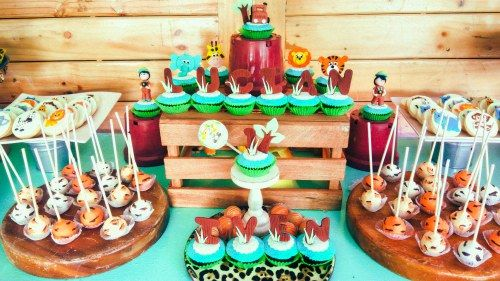 Safari birthday party candy buffet