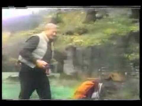 John Wayne - Vidéo d'une des Publicités tournées pour la 'Great Western Bank' en 1977, avec le Stetson du Film le Dernier des Géants en 1976.